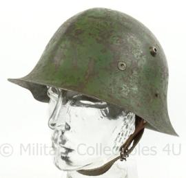 Bulgaarse M36 helm type B met WO2 liner en originele verf - Zeldzaam - volledig origineel