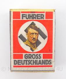 WO2 Duits luciferdoosje van echt hout - Fuhrer Gross Deutschlands - afmeting 6 x 4 cm - replica