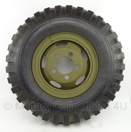 Dodge WC velg met band 9.00 x 16