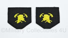 Nederlandse Brandweer kraag insignes gespiegeld PAAR - 5 x 5 cm - origineel