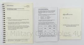 KL Landmacht  set Instructie documenten - afmeting 13 x 18 cm - origineel