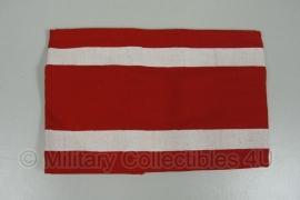 Rode DDR armband - met 2 horizontale witte strepen - origineel