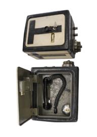 Leger bunkertelefoon - 45 x 33 x 29 cm - origineel