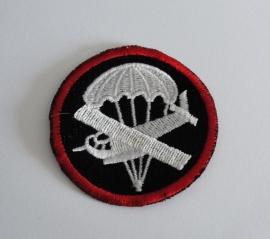 Overseas cap insigne (zwart) - manschappen