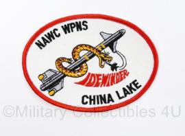 USN Naval Air Warfare Center Weapons  NAWC WPNS China Lake Dewinder embleem - 11 x 8 cm - origineel