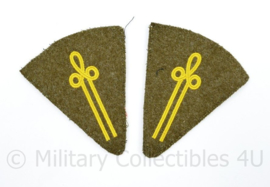 MVO kraaginsigne set opleiding - 10 x 8 cm - origineel