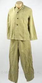 MVO jaren '50 pyjama jas en broek - maat 50 - broek heeft scheur aan voorkant - origineel