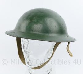 WO2 Britse of Canadese helm -  origineel