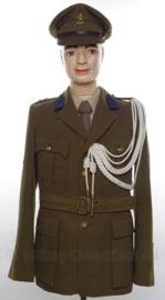 Nederlandse leger MVO vroege uniform SET jas, overhemd, stropdas en pet - met originele insignes en nestel - Korporaal der 1e klasse - maat 50- origineel