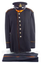 """KL Koninklijke Landmacht gala uniform jasje, broek en pet """"adjudant instructeur"""" - maat 50 - jaren 60 - origineel"""