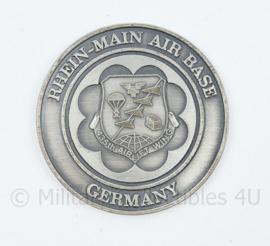 US Air Force 435TH Air IIFT wing Rhein main air Base Germany coin - diameter 4 cm - origineel