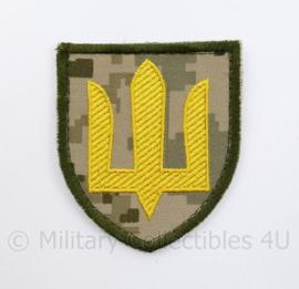 Camouflage Ukrainian Army patch emblem Flag Cossack Sables Yellow on camouflage - met klittenband  - 8 x 7 cm -  origineel