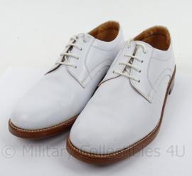 KM Koninklijke Marine Tropen schoenen wit merk Defensie - lederen zool , rubber inzet - gedragen - maat 8,5M - origineel