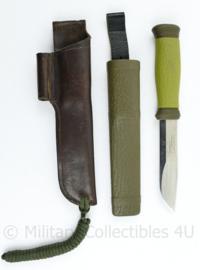 Zweedse leger groen Mora knife met Mora schede en extra lederen schede - Mora 2000 S - 25 cm - origineel