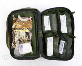 Nederlandse leger zijtas Geneeskundige dienst Woodland tbv Vulcan Rugzak met volledige inhoud - 39 x 22 x 12 cm  - gebruikt - origineel