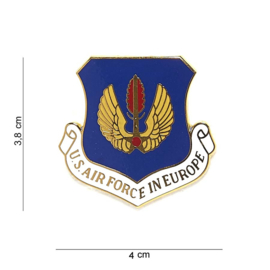 US Air Force in Europe metalen insigne -  3,8 x 4 cm.