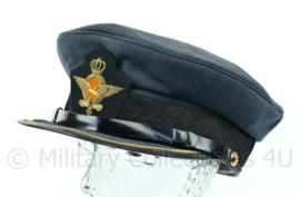 Platte pet KLU Luchtmacht GLT Hogere rangen met streep op klep voor Rang Luitenant - Kolonel - maat 58  - origineel