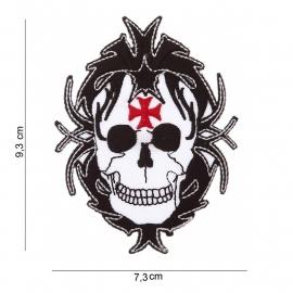 """Embleem """"Doodskop met malthezer kruis"""" - 7,3 x 9,3 cm"""