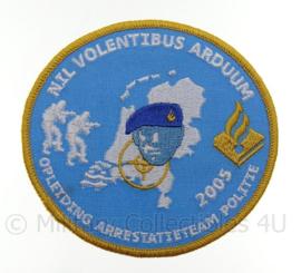 Embleem Arrestatieteam Opleiding 2005 - diameter 9,5  cm - Top ! replica