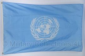 KL Verenigde Naties vlag  - ongeveer 100 x 150 cm - origineel