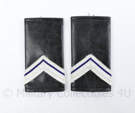 Kmar Marechaussee epauletten paar zwart kunstleder - vorig model - wachtmeester der 1ste klasse  - origineel