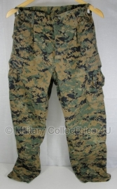 """USMC Marpat camo Uniform broek - topstaat - met naamlint """"Aquilera"""" - maat 24 xshort - origineel"""
