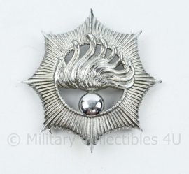 Korps Rijkspolitie pet insigne met splitpennen - 6 x 5,5 cm - origineel