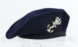 Koninklijke Marine baret met insigne  - wol met stoffen rand - maat M - maker Hassing - origineel