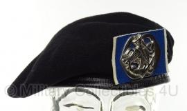KL Nederlandse leger baret Cavalerie Huzaren van Sytzama - meerdere maten - origineel