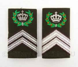KL Landmacht DT epauletten rang Opperwachtmeester Eskadron - model tot 2000 - per paar - afmeting 5 x 9 cm - origineel