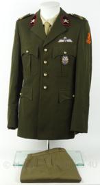 KL Landmacht DT veldartillerie Sergeant 1e klase uniform jas en broek - model voor 2000 - met insignes - maat 49 3/4 - origineel
