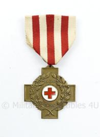 Nederlandse Rode Kruis herinneringskruis 1939-1940 - Maker Koninklijk Begeer Voorschoten -  8 x 4 cm - origineel