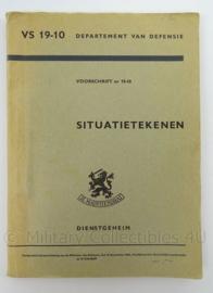 KL Landmacht Technische Handleiding Situatietekenen uit 1964 - VS 19-10 - afmeting 22 x 16 cm - origineel