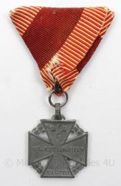 WO1 Oostenrijks-Hongaarse Karl Truppenkreuz medaille - afmeting 5 x 9 cm - origineel