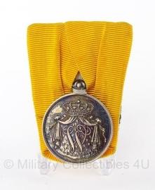 Zilveren Nederlandse zilveren medaille voor 24 jaar Trouwe Dienst - Wilhelmina (Huidig model)- origineel