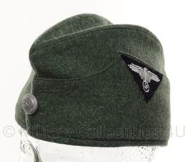 Vroeg Duits replica Waffen SS schuitje MET doodskop knoop en insigne - meerdere maten