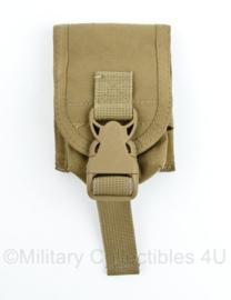 Defensie of US Army Coyote MOLLE handgranaat handgrenade pouch - merk Warrior Assault Systems - 11 x 9,5 x 5 cm - origineel