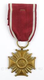 Poolse medaille Kruis van Verdienste Polen -  PRL: Polska Rzeczpospolita Ludowa - afmeting 4 x 11 cm - origineel