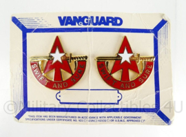 """US Army unit crest set """"swift and sure"""" 32nd Army Air and Missile Defense Command Unit Crest - maker Vanguard  - origineel"""