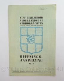Staf Bevelhebber Nederlandsche Strijdkrachten Instructieboekje Oefeningsaanwijzing No 4 uit 13 juni 1945 - afmeting 15 x 23 cm - origineel