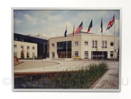 UNPROFOR hoofdkwartier foto in lijst - 41,5 x 30 cm - origineel