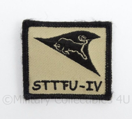 KL Landmacht borst embleem STTFU IV - met klittenband - afmeting 5 x 5 cm - origineel
