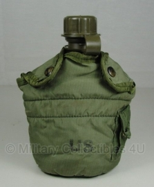 US Army LC-2 veldfles (zonder gasmasker aansluiting) met hoes - origineel