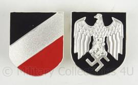 Tropenhelm emblemen PAAR metaal - adelaar en driekleur schild metaal - topkwaliteit!