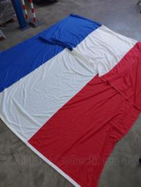Koninklijke Marine vlag van de Hr Ms Willem van der Zaan - van de overdrachtsceremonie met Belgie  / F931 Louise Marie - 5 x 3 meter - origineel