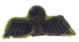 "KL parawing "" B brevet"" - camouflage variant - 9 x 4 cm - origineel"