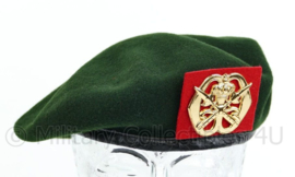 KL Nederlandse leger tussen model baret met KMS Koninklijke Militaire School insigne 2011 - maker Hassing BV - zo goed als nieuw - maat 60 - origineel