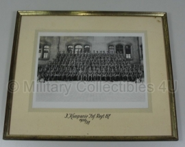 Foto in lijst  - groep soldaten I.R. 87 1937 - 27 x 32,50 orgineel