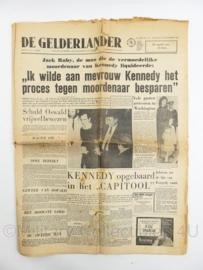 krant De Gelderlander van 25 november 1963 - Kennedy opgebaard opgebaard in het Capitool - origineel