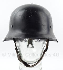 WO2 Duitse polizei en Feuerwehr helm met 1934 bestempeld  -  maat M  -  origineel WO2